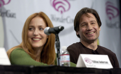 Gillian e David a Wondercon 2008
