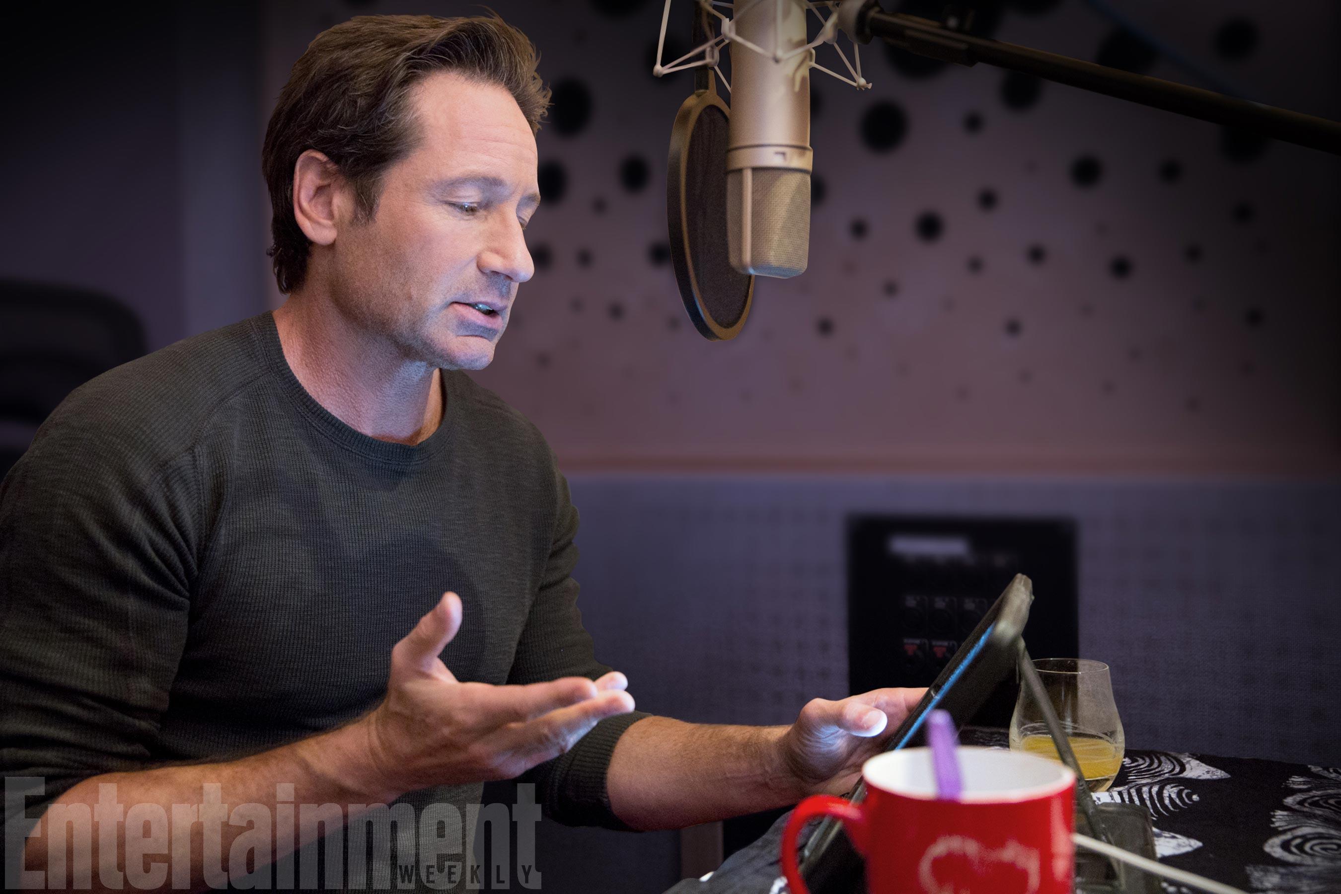David Duchovny al lavoro sull'audiolibro di X-Files