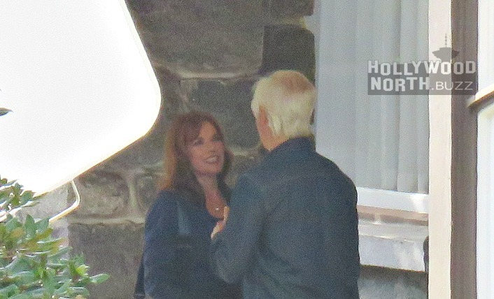 Barbara Hershey sul set di X-Files con Chris Carter